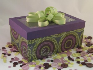 Cupcake Box Raei 1 (Large) (Cupcakes with a box to match!)